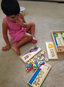 aylin playing letters